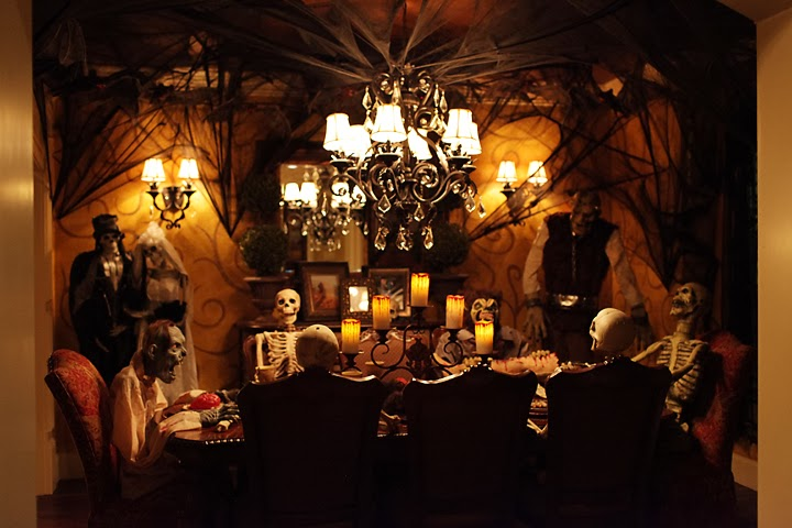 Spooktacular ypg halloween happy hour young to for Zombie room decor